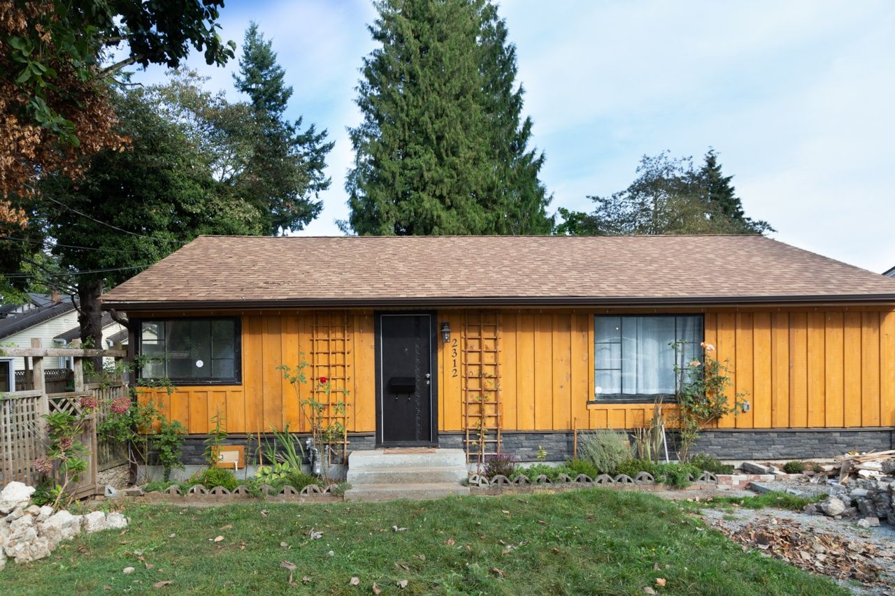 Main Photo: 2312 Mouldstade Rd. in Abbotsford: Central Abbotsford House for rent