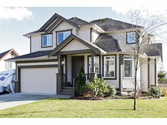 Main Photo: 19642 68A Avenue in Langley: Willoughby Heights House for sale : MLS®# F1406787