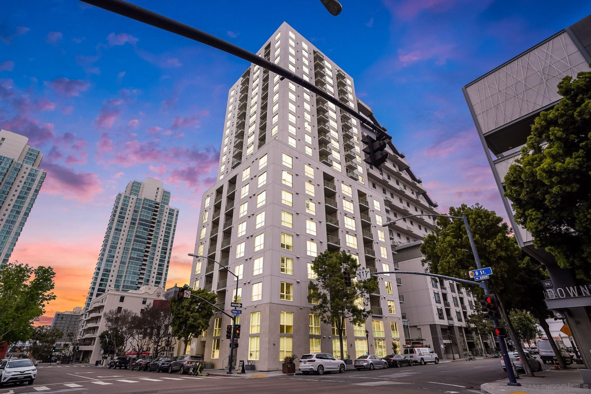 Main Photo: DOWNTOWN Condo for sale : 2 bedrooms : 1240 India #2403 in San Diego