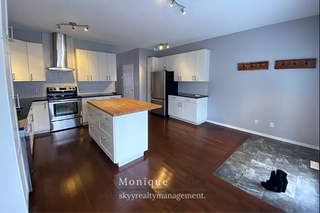 Photo 2: 9109 98 Ave in Edmonton: Townhouse for rent