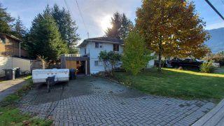 Photo 2: 2070 DIAMOND Road in Squamish: Garibaldi Estates House for sale : MLS®# R2514160