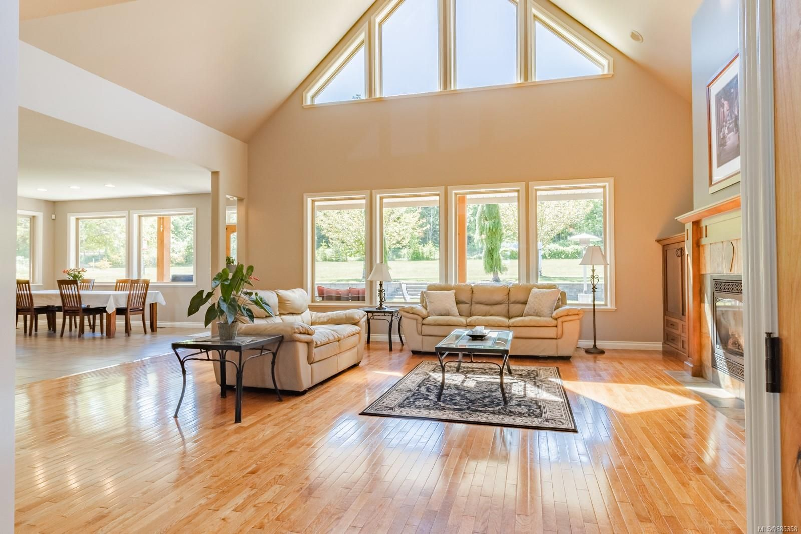 Photo 11: Photos: 2850 Peters Rd in : PQ Qualicum Beach House for sale (Parksville/Qualicum)  : MLS®# 885358