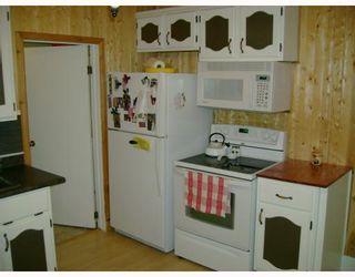 Photo 4: 311 PARKVIEW Street in WINNIPEG: St James Residential for sale (West Winnipeg)  : MLS®# 2910382