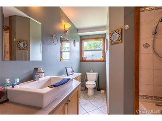 Photo 11: 3140 Lynnlark Pl in VICTORIA: Co Hatley Park House for sale (Colwood)  : MLS®# 734049