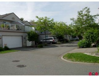 "Photo 1: 9 15875 84TH Avenue in Surrey: Fleetwood Tynehead Townhouse for sale in ""ABBEY ROAD"" : MLS®# F2915997"