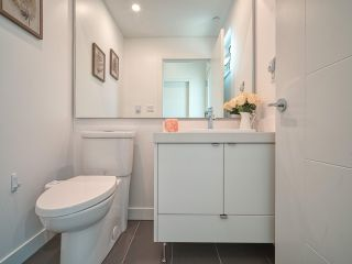 """Photo 18: 101 321 E 16TH Avenue in Vancouver: Mount Pleasant VE Townhouse for sale in """"ARNE"""" (Vancouver East)  : MLS®# R2467350"""