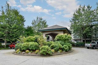 """Photo 1: 335 19528 FRASER Highway in Surrey: Cloverdale BC Condo for sale in """"THE FAIRMONT"""" (Cloverdale)  : MLS®# R2469719"""