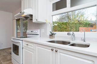 Photo 15: 20469 DENIZA Avenue in Maple Ridge: Southwest Maple Ridge House for sale : MLS®# R2123149
