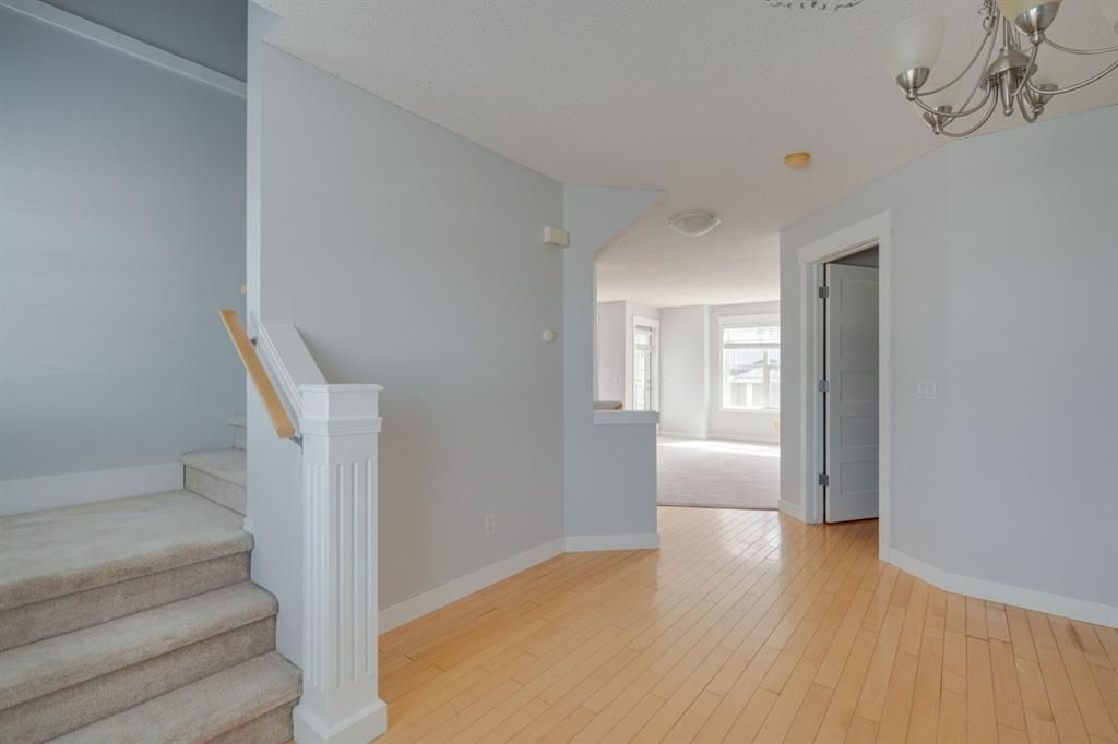 Photo 11: Photos: 3201 7171 Coach Hill Road SW in Calgary: Coach Hill Row/Townhouse for sale : MLS®# A1124017