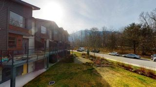 """Photo 18: 8 38684 BUCKLEY Avenue in Squamish: Dentville Townhouse for sale in """"Newport Landing"""" : MLS®# R2613322"""