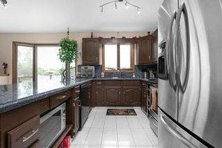 Photo 8: 5 Schreyer Crescent in St Andrews: Parkdale Residential for sale (R13)  : MLS®# 202116214