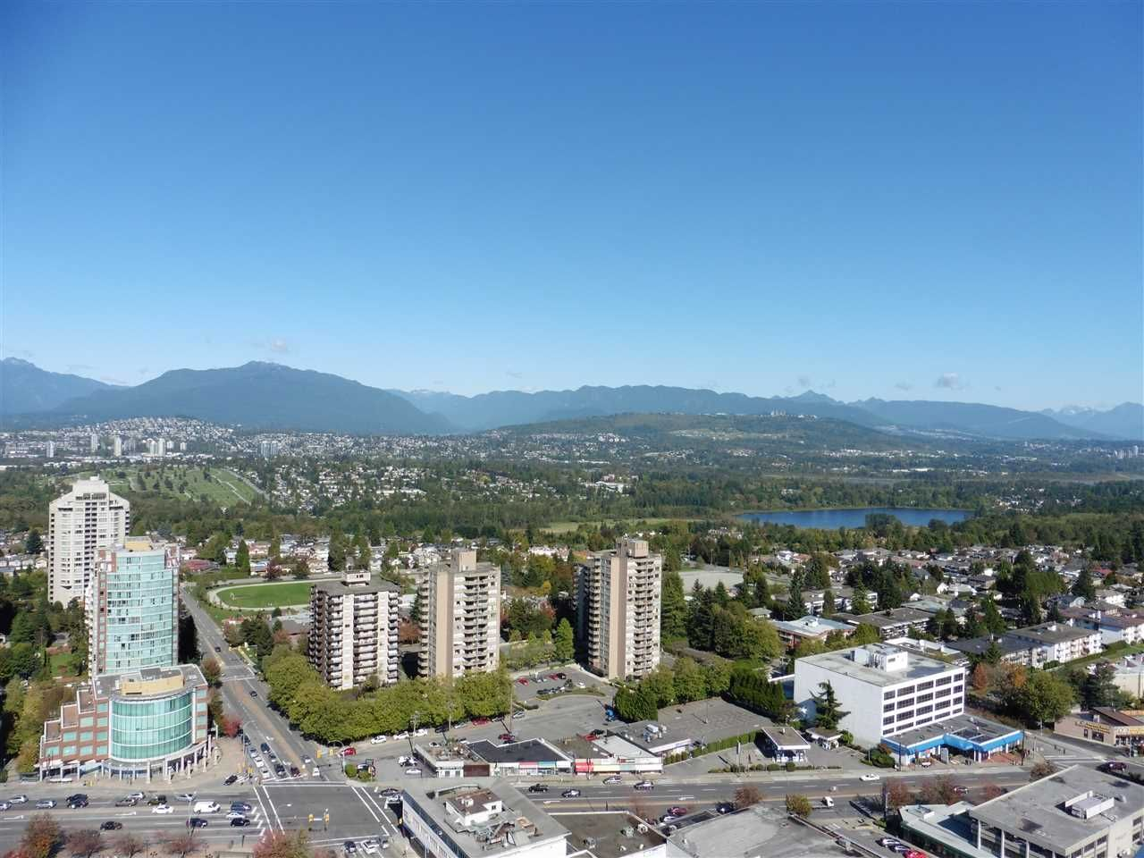 """Photo 10: Photos: 3702 4880 BENNETT Street in Burnaby: Metrotown Condo for sale in """"CHANCELLOR"""" (Burnaby South)  : MLS®# R2006395"""