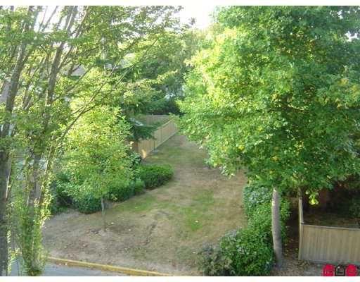 "Photo 6: Photos: 312 7426 138TH ST in Surrey: East Newton Condo for sale in ""Glencoe Estates"" : MLS®# F2618975"