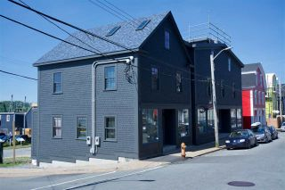 Photo 2: 182 Montague Street in Lunenburg: 405-Lunenburg County Commercial  (South Shore)  : MLS®# 202100386