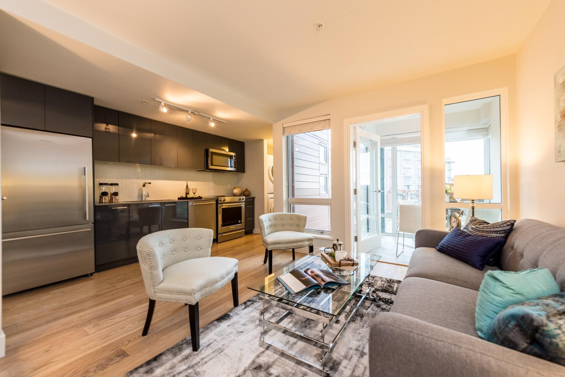 """Main Photo: 401 233 KINGSWAY in Vancouver: Mount Pleasant VE Condo for sale in """"YVA"""" (Vancouver East)  : MLS®# R2604480"""