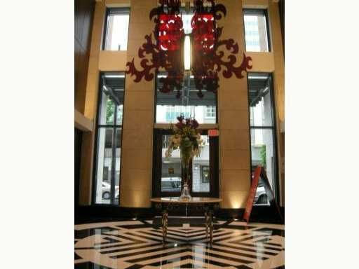 """Main Photo: 788 Richards in Vancouver: Downtown Condo for sale in """"L'HERMITAGE"""" (Vancouver West)  : MLS®# V838200"""