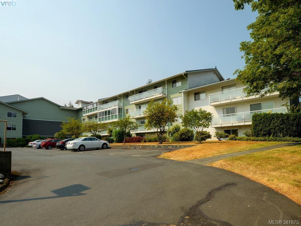 Main Photo: 402 1490 Garnet Rd in VICTORIA: SE Cedar Hill Condo for sale (Saanich East)  : MLS®# 767199