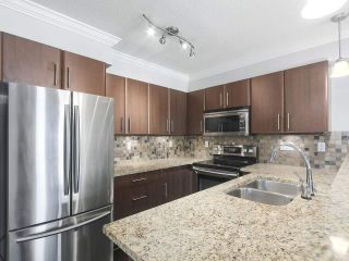 "Photo 5: 410 12020 207A Street in Maple Ridge: Northwest Maple Ridge Condo for sale in ""WESTBROOKE"" : MLS®# R2415063"