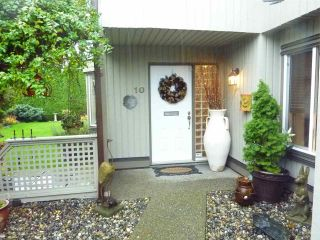 """Photo 2: 10 9880 PARSONS Road in Richmond: Woodwards Townhouse for sale in """"NEW HORIZONS WEST"""" : MLS®# R2223620"""