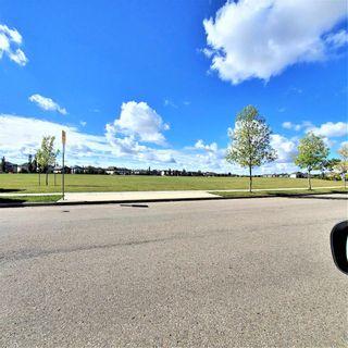 Photo 6: 8353 SHASKE Crescent in Edmonton: Zone 14 House for sale : MLS®# E4262275