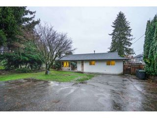 Photo 2: 3228 CEDAR Drive in Port Coquitlam: Lincoln Park PQ House for sale : MLS®# R2526313