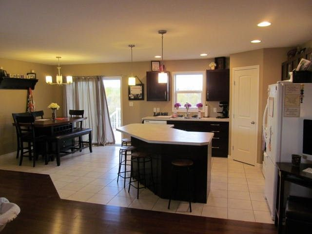 Photo 4: Photos: 8904 118A Avenue in Fort St. John: Fort St. John - City NE House for sale (Fort St. John (Zone 60))  : MLS®# N240348