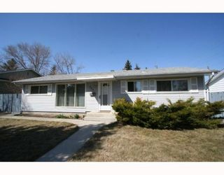 Photo 1: 307 40 Street SW in CALGARY: Wildwood Residential Detached Single Family for sale (Calgary)  : MLS®# C3377030