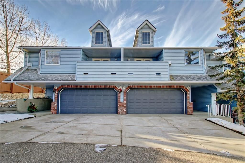 Main Photo: 86 VALLEY RIDGE Heights NW in Calgary: Valley Ridge Row/Townhouse for sale : MLS®# C4222084