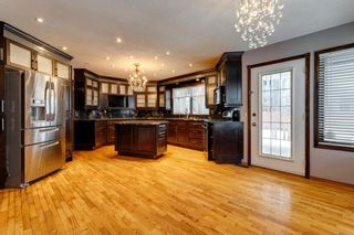 Photo 5: 503 Woodbriar Place SW in Calgary: Woodbine Detached for sale : MLS®# A1062394