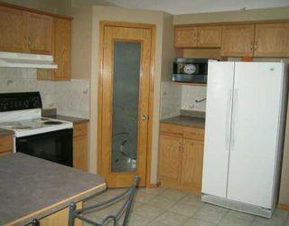 Photo 3: 730 KNOWLES Avenue in Winnipeg: North Kildonan Single Family Detached for sale (North East Winnipeg)  : MLS®# 2603327