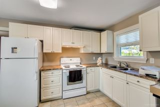 """Photo 38: 3689 LYNNDALE Crescent in Burnaby: Government Road House for sale in """"Government Road Area"""" (Burnaby North)  : MLS®# R2315113"""