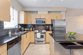 """Photo 14: 208 1661 FRASER Avenue in Port Coquitlam: Glenwood PQ Townhouse for sale in """"BRIMLEY MEWS"""" : MLS®# R2549101"""
