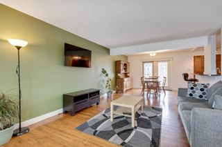 Photo 4: 79 Warwick Drive SW in Calgary: Westgate Detached for sale : MLS®# A1131480