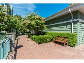 """Photo 5: 403 1199 WESTWOOD Street in Coquitlam: North Coquitlam Condo for sale in """"LAKESIDE TERRACE"""" : MLS®# V1105956"""