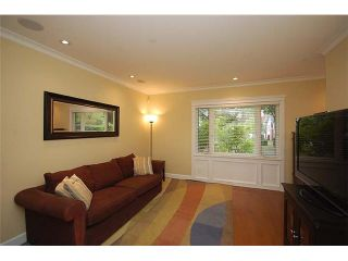 Photo 2: 426 W 13TH Avenue in Vancouver: Mount Pleasant VW 1/2 Duplex for sale (Vancouver West)  : MLS®# V910753
