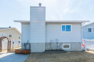 Photo 6: 9348 180A Avenue NW in Edmonton: Zone 28 House for sale : MLS®# E4240448