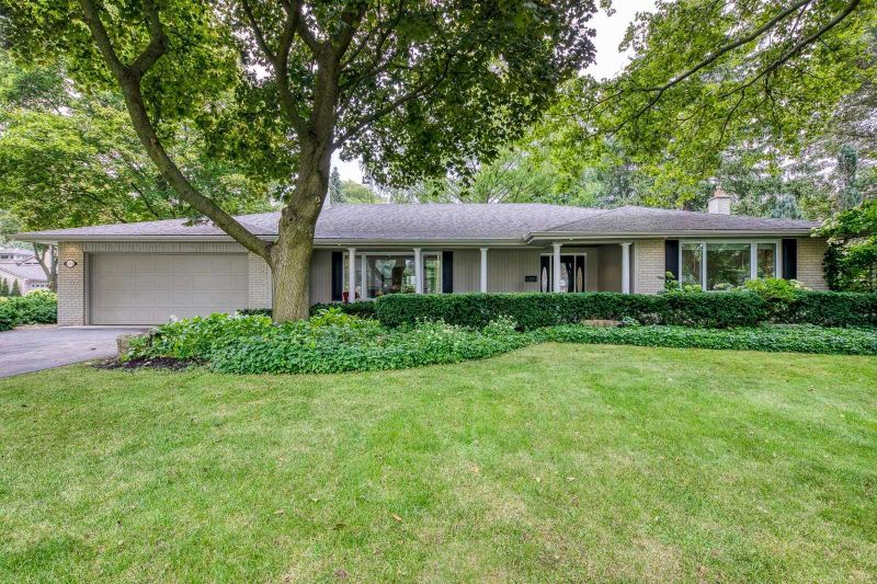 FEATURED LISTING: 185 Dornie Road Oakville