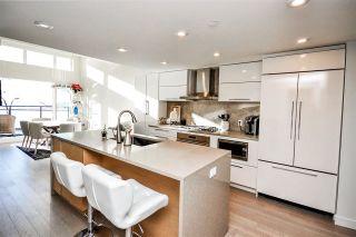 Photo 4: 303 1150 OXFORD Street: White Rock Condo for sale (South Surrey White Rock)  : MLS®# R2581574