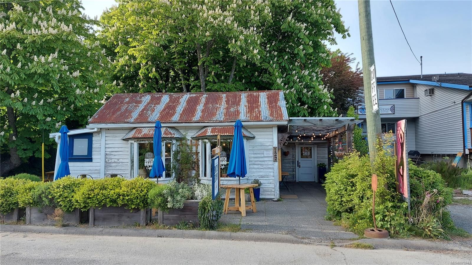 Main Photo: 122 Hereford St in : GI Salt Spring Mixed Use for sale (Gulf Islands)  : MLS®# 875343
