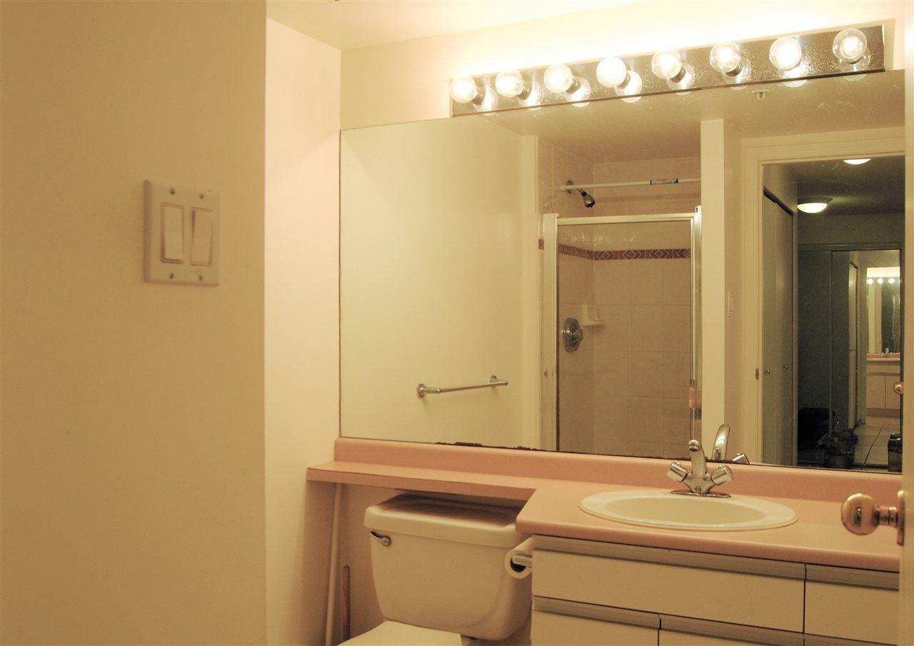 """Photo 13: Photos: 301 14820 104TH Avenue in Surrey: Guildford Condo for sale in """"CAMELOT"""" (North Surrey)  : MLS®# R2128065"""