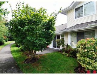 "Photo 9: 16 8737 212TH Street in Langley: Walnut Grove Townhouse for sale in ""CHARTWELL GREEN"" : MLS®# F2824690"