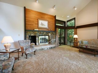 Photo 2: 4616 Cliffwood Pl in : SE Broadmead House for sale (Saanich East)  : MLS®# 875533