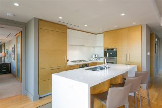 """Photo 12: 3202 667 HOWE Street in Vancouver: Downtown VW Condo for sale in """"Private Residences at Hotel Georgia"""" (Vancouver West)  : MLS®# R2620070"""