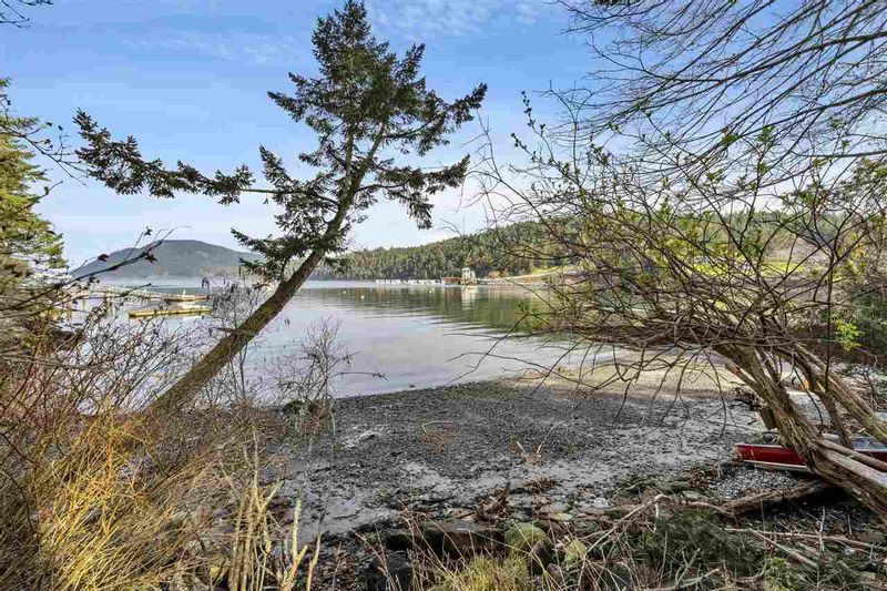 FEATURED LISTING: 229 MARINERS Way Mayne Island