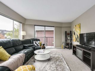 """Photo 7: 204 36 E 14 Avenue in Vancouver: Mount Pleasant VE Condo for sale in """"Rosemont Manor"""" (Vancouver East)  : MLS®# R2166015"""