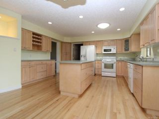 Photo 14: 944 Brooks Pl in COURTENAY: CV Courtenay East House for sale (Comox Valley)  : MLS®# 730969