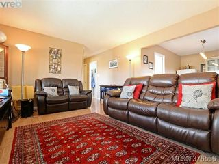 Photo 3: 955 Hereward Rd in VICTORIA: VW Victoria West House for sale (Victoria West)  : MLS®# 755998