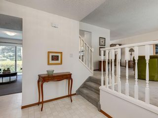 Photo 5: 5132 DALHAM Crescent NW in Calgary: Dalhousie Detached for sale : MLS®# C4244871