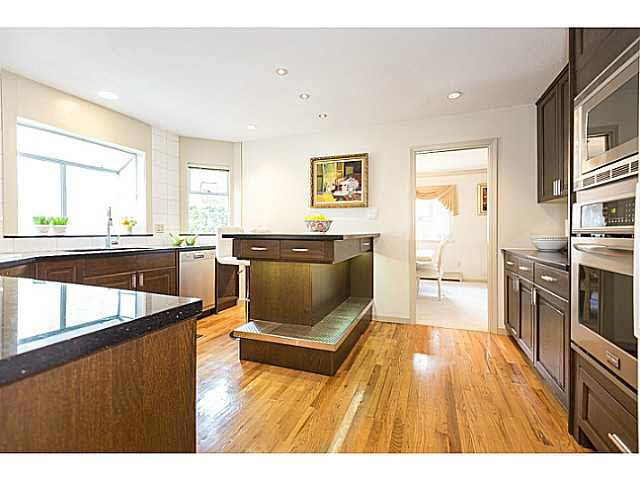 """Photo 8: Photos: 5825 MAPLE Street in Vancouver: Kerrisdale House for sale in """"KERRISDALE"""" (Vancouver West)  : MLS®# V1113298"""