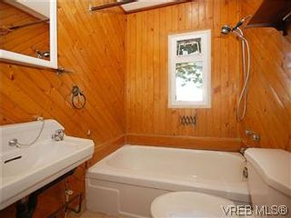 Photo 16: 669 Pine St in VICTORIA: VW Victoria West House for sale (Victoria West)  : MLS®# 560025